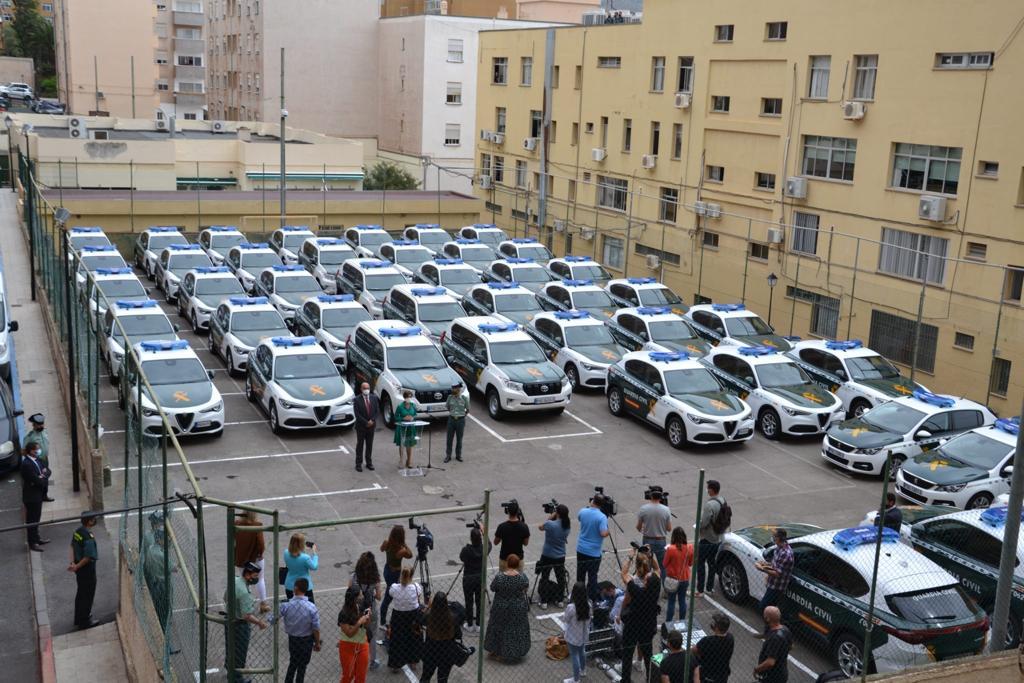 Nuevos vehículos bicolores de la Guardia Civil en las Islas Canarias