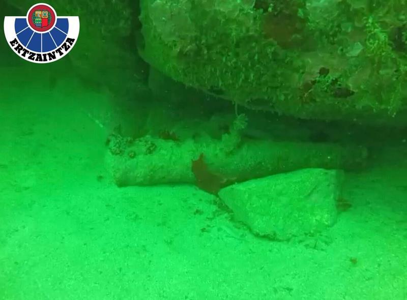 Encuentran un cañón de 80 cm de un barco de época en aguas de Gipuzkoa