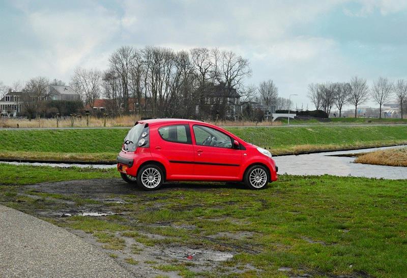 Encuentran a una persona fallecida en el interior de un coche en Ames (A Coruña)