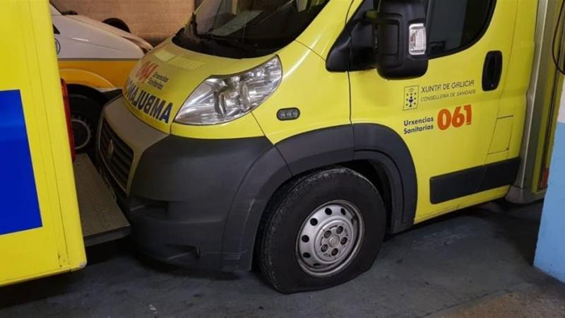 Una caída desde un balcón en Ourense deja a varias personas heridas que se encontraban en una cafetería