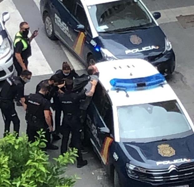 Varios policías heridos en un atraco a un banco de Murcia