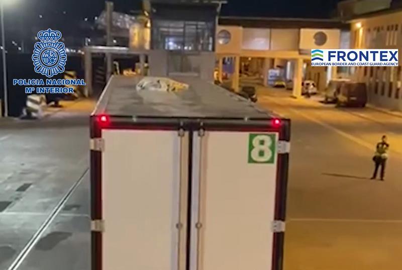 Rescatados en el Puerto de Ceuta cinco migrantes que intentaban acceder a España ocultos en camiones