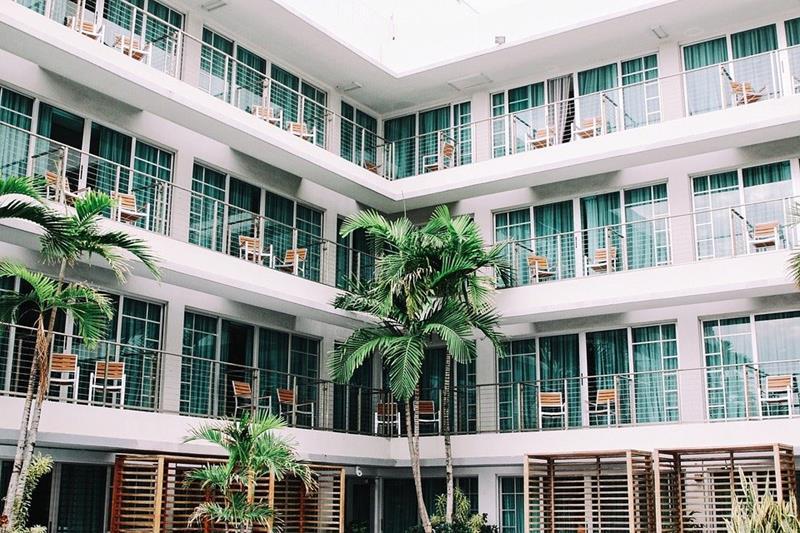 Detienen a una organización internacional dedicada a la estafa en el alquiler de alojamientos turísticos a través de Internet