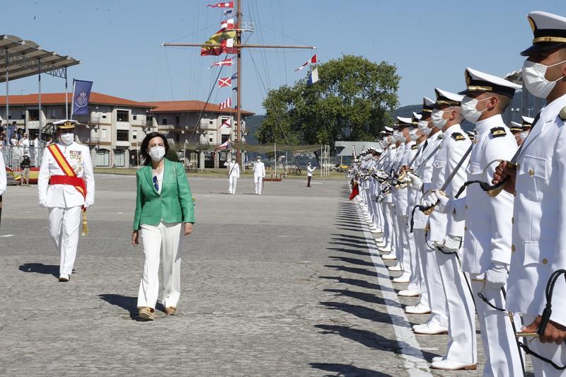 118 alumnos militares de carrera y de complemento salen de la Escuela Naval