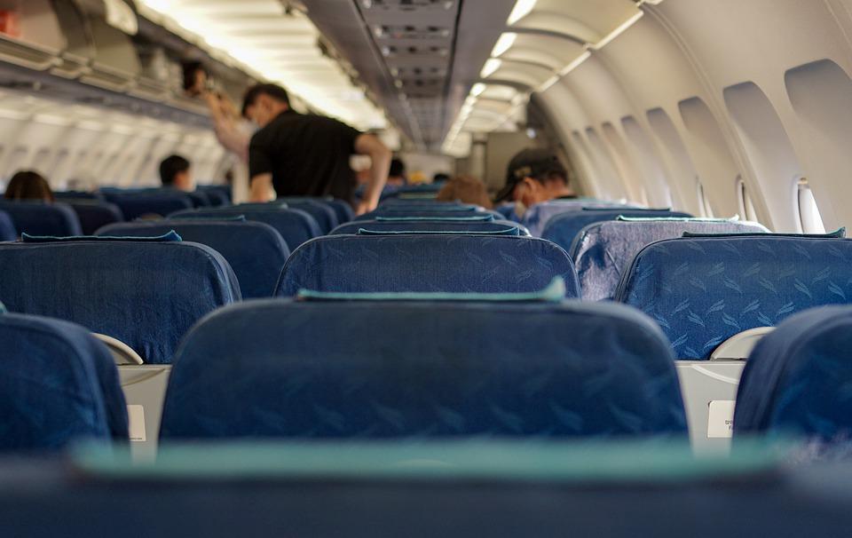 Cuarentena obligatoria para los viajeros de vuelos procedentes de Argentina, Bolivia, Colombia y Namibia
