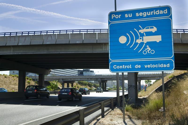 Los conductores denunciados en vías convencionales superaban en 31 km el límite de velocidad permitido