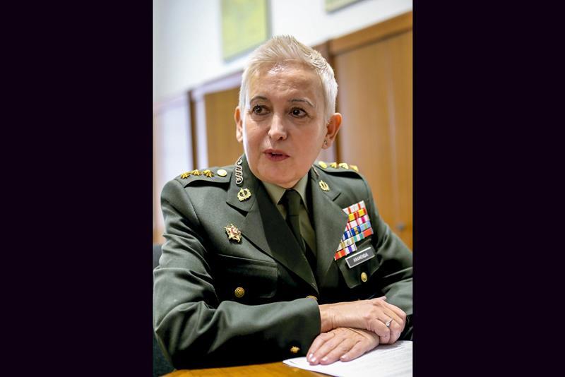 Asciende a general la segunda mujer en las Fuerzas Armadas, la coronel Begoña Aramendía
